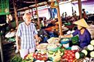 Da Nang Market Tour by Bike Including Home Cooking Class